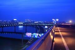 sikt för shanshai för flygplatsnattpudong Royaltyfria Bilder