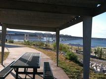 Sikt för sjöAmistad picknick i Texas Fotografering för Bildbyråer