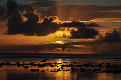 sikt för solnedgång för kockörarotonga arkivfoto