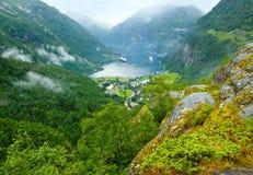 Sikt för sommar för Geiranger fjord (Norge) Arkivfoto