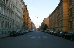 sikt för st för saint för fartygkanalpetersburg flod Sjunde sovjetiska gata royaltyfri bild
