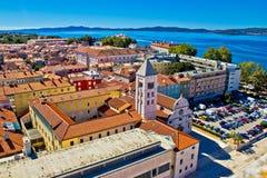 Sikt för stad för Zadar tak flyg- Royaltyfri Bild