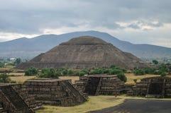 sikt för sun för mexico moonpyramid teotihuacan teotihuacan Fotografering för Bildbyråer
