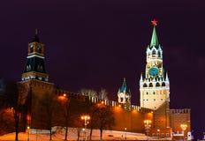 sikt för torn för kremlin moscow nattrussia spasskaya moscow russia Royaltyfri Fotografi