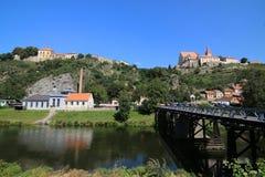 Sikt för Znojmo flodDyje bro, tjeck Royaltyfria Bilder