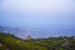 """Sikt från överkant av berg†""""Khaliq Abad, Khushab Arkivfoto"""