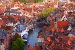 Sikt från överkanten av Dijveren, Bruges, Belgien Arkivfoton