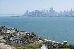 Sikt från Alcatraz till San Francisco City Arkivbilder