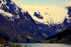 Sikt från Balestrand, Norge arkivfoto
