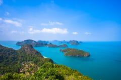 Sikt från berget på Angthong Marine National Fotografering för Bildbyråer