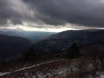 Sikt från berget på vintern royaltyfri fotografi