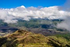 Sikt från caldera av vulkan Batur, Bali, Indonesien Arkivfoto