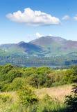 Sikt från Castlerigg Hall Keswick Lake District Cumbria till Derwent vatten och Catbells Arkivbild