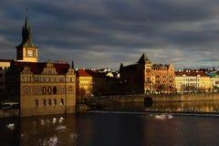Sikt från Charles Bridge - Prague - Tjeckien Arkivbild