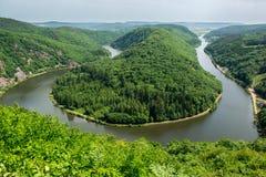 Sikt från Cloef till Saarschleife, Saarland flod, Tyskland Royaltyfria Bilder