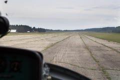 Sikt från cockpiten av en helikopter Royaltyfri Foto
