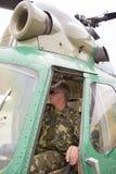 Sikt från cockpiten av en helikopter Arkivbild