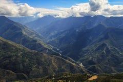 Sikt från Coroico, Yungas, Bolivia Fotografering för Bildbyråer