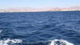 Sikt från däcket av skeppet på havet stock video