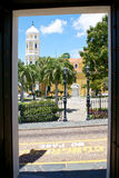 Sikt från dörren Arkivbild