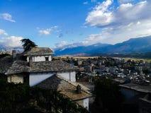 Sikt från den gamla staden Gjirokastra Royaltyfria Foton