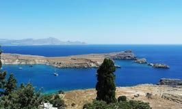 Sikt från den Lindos Rhodes ön, Grekland Arkivfoton