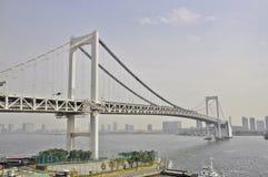 sikt från den Odaiba ön, Tokyo, Japan Royaltyfria Bilder