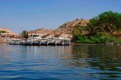 Sikt från den Philae templet, sjö Nasser Royaltyfri Foto