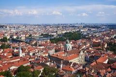 Sikt från den Prague slotten; Tjeckien arkivbild