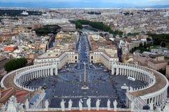 Sikt från den San Pietro basilikan i Vaticanen Arkivfoton
