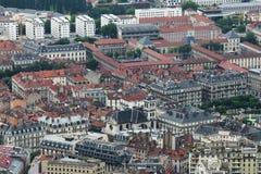 Sikt från det Bastilla berget på den franska stadsGrenoble staden arkivbilder