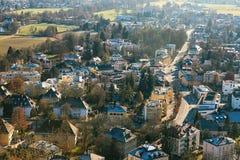 Sikt från en hög poäng till den historiska staden av Salzburg En stad i västra Österrike, huvudstaden av förbundsstaten av Royaltyfri Bild