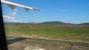 Sikt från ett flygplanfönster arkivfilmer