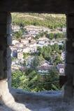 Sikt från ett slottfönster Arkivbilder