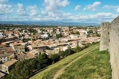 Sikt från fästningen av grundstaden av Carcassonne royaltyfria foton
