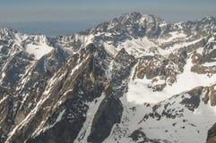 Sikt från fågelperspektivet av bergen! Royaltyfria Foton