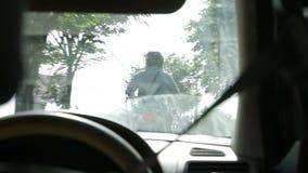 Sikt från fönster av bilen i Bali arkivfilmer