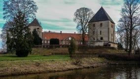 Sikt från floden på Schloss Rheda - Rheda-Wiedenbrà ¼ ck, Kreis Gà ¼tersloh, Nordrheinwestfalen, Deutschland/Tyskland Arkivfoto