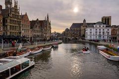 Sikt från Ghents Grasbrug, Belgien royaltyfria bilder