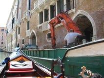 Sikt från gondolen venice Italien Arkivfoto