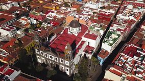 Sikt från höjden på domkyrkan och townscape San Cristobal De La Laguna, Tenerife, kanariefågelöar, Spanien lager videofilmer