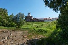 Sikt från havet till den Anzersky för helig Treenighet kloster royaltyfri fotografi