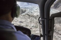 Sikt från helikoptern till Franz Josef Glacier, Nya Zeeland royaltyfri foto
