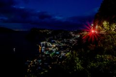 Sikt från hotellet San Michele i Anacapri på skymning, Capri, Italien Royaltyfri Fotografi