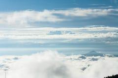 Sikt från huaynamdungberget Arkivbild