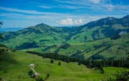 Sikt från i berget i Schweiz Royaltyfri Fotografi