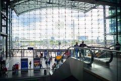 Sikt från inre Berlin Hauptbahnhof Royaltyfria Foton