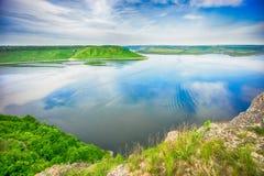 Sikt från klipporna på den stora floden Fotografering för Bildbyråer