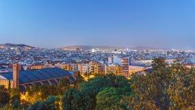 Sikt från Montjuic över den Barcelona dagen till natttimelapse, Catalonia, Spanien arkivfilmer