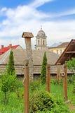 Sikt från omdanad kyrklig elisabetansk kyrka XIII c Royaltyfri Bild